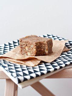 RAW BANANA NUT BREAD raw, gluten free and vegan, no refined sugars.