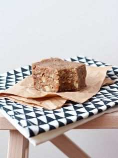 LIVER CLEANSING DIET FOODS - RAW VEGAN BANANA NUT BREAD (Gluten Free)