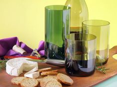 Wine Bottle Tumblers http://www.handimania.com/diy/wine-bottle-tumblers.html