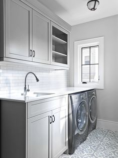 Creative Basement Laundry Room Ideas for Your Home - Keller Schlafzimmer Laundry Bathroom Combo, Mudroom Laundry Room, Laundry Room Layouts, Laundry Room Remodel, Laundry Decor, Laundry Room Cabinets, Farmhouse Laundry Room, Laundry Room With Sink, Small Laundry
