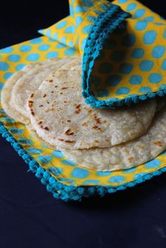 Why am I calling these Weeknight Paleo Tortillas you may ask?! Welp, it just so happens that this here tortilla recipe is easy peasy and can even be made when you don't have a ton of time on your hand