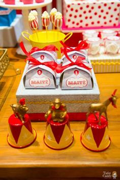 carnival-classic-red-white-circus-themed-birthday-party-ideas-treats