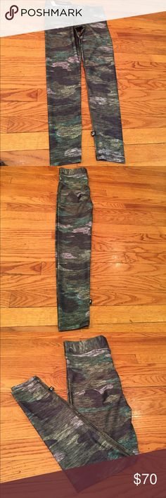 Zara Terez Camo Tall Band Leggings Heathered camo tall band leggings with a 3 inch high waist band. Measurements are 30 inch waist, 10 inch rise, and a 28 inch inseam. Zara Terez Pants Leggings