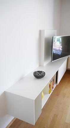 Mediamöbel mit schwenkbarem TV