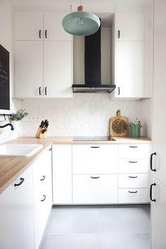 Une cuisine blanche qui se fond dans le décor