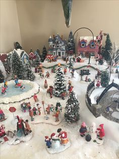 1 million+ Stunning Free Images to Use Anywhere 50 Diy Christmas Decorations, Christmas Tree Village Display, Christmas Town, Hallmark Christmas, Christmas Villages, Xmas Tree, Christmas Holidays, Christmas Crafts, Christmas Ornaments