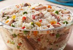 Faça este delicioso arroz à grega com sardinha