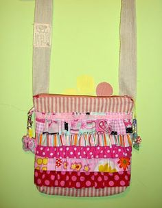 Girly Ruffled Sling Bag from a Fat Quarter and Scraps Tutorial