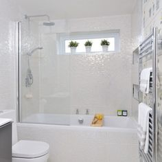 Small Home Bathroom Design Small Bathroom Designs Home Depot Small Bathroom Design Ideas Small White Bathrooms, White Bathroom Tiles, Bathroom Renos, Modern Bathroom Design, Beautiful Bathrooms, Bathroom Remodeling, Remodeling Ideas, Cream Bathroom, Glitter Bathroom