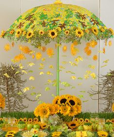 Sunflower Centerpieces For Late Summer Picnic | Inspirations