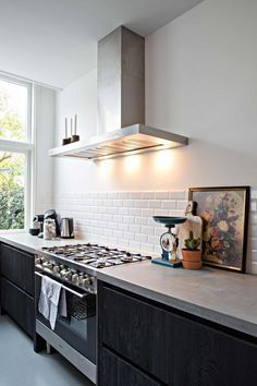 Supreme Kitchen Remodeling Choosing Your New Kitchen Countertops Ideas. Mind Blowing Kitchen Remodeling Choosing Your New Kitchen Countertops Ideas. Countertop Concrete, Kitchen Countertop Materials, Diy Countertops, Kitchen Cabinets, White Cabinets, Concrete Counter Tops Kitchen, Kitchen Soffit, Laminate Counter, Kitchen Walls