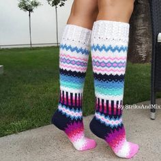 Navy Blue and Pink Knee Socks Knitting pattern by Gorica Pavlovic Knitting Designs, Knitting Patterns, Halloween Costume Patterns, Crochet Socks Pattern, Floral Socks, Crochet Leg Warmers, Knee Socks, Knitting Socks, Pink Blue