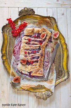 strudel con marmellata di frutti di bosco e fichi freschi