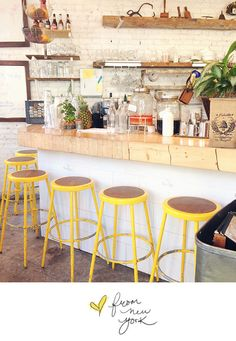 USA . NY . CAFE. The Butchers daughter. Juice bar