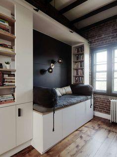 Sarah Zames из General Assembly превратила эту небольшую историческую чердачную квартиру на Бруклинских высотах в уютное гнездышко для своих хозяев