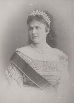 Queen Elisabeth of Romania, nee Wied, wearing the pearl tiara by Oscar Massin, given as a wedding gift by a group of Romanian Noblewomen when she wed King Carol I on 15 November 1869