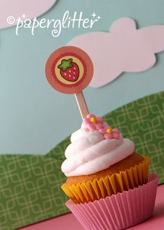 free Strawberry Round Tags or Cupcake Toppers...