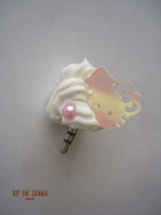 ❤ Lovely Anti Dust plug to protect your phone, tablet or mp3 ❤  The whipped cream part measure around 3-4cm (size and shape might vary slightly