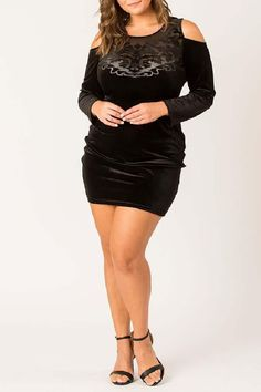 Looking for womens plus size wedding dresses? Shop Now! the perfect plus size dresses at CurveGirl for any occasion, including wedding, party and maxi dresses in all colors. Black Velvet Dress, Dress Black, Plus Size Party Dresses, Self Design, Wedding Dress Shopping, Plus Size Wedding, Fitness Fashion, Leather Skirt, Skirts