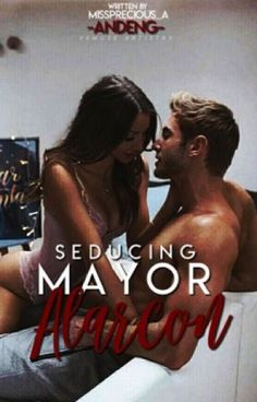 Mayor Archie Alarcon is a fined man, son of the CEO of Alarcon's Publishing Company and Nephew of the President of the Philippines. He fell inlove with someone. Free Novels, Novels To Read, Wattpad Books, Wattpad Stories, Good Romance Books, Romance Novels, Free Reading, Reading Lists, Cute Couples Kissing