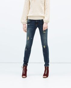 Discover the new ZARA collection online. The latest trends for Woman, Man, Kids and next season's ad campaigns. Womens Ripped Jeans, All Jeans, Jeans Pants, Trousers, Skinny Jeans, Fashion Catalogue, Skirt Pants, Spring Summer Fashion, Summer 2015