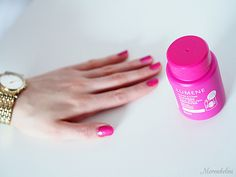 Have you tried the new Express Nail Polish Remover? Blogger @Merenhelmi tried it and loved the easyness of using it. #nailpolish #lumene