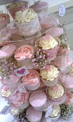 shabby chic weddings | vintage shabby chic wedding cupcake tower 2