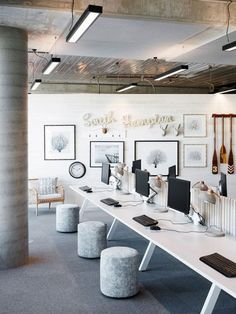 💪Creative craft decors for office walls? home office livin…, – Creative Home Office Design Commercial Office Design, Modern Office Design, Office Furniture Design, Furniture Layout, Office Designs, Office Ideas, Office Art, Small Office, Unique Furniture