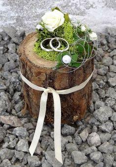 Ringkissen Ringhalter Holz Mini Baumstamm creme Hochzeit Halter für Eheringe