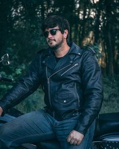 Leather Motorcycle Jacket For Men Moto Riding - Soomro Lambskin Leather Jacket, Faux Leather Jackets, Leather Men, Mens Essentials, Windbreaker Jacket, Motorcycle Jacket, Motorcycles, Moto Jacket, Biking