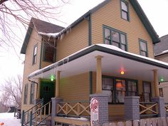 Discover A Christmas Story House and Museum in Cleveland, Ohio: The home made famous by the 1983 holiday classic is now a perfectly preserved shrine to the movie. Christmas Story House, All Things Christmas, Christmas 2019, Merry Christmas, Sound Stage, The Night Before Christmas, Close To Home, Deck The Halls, Wonderful Time