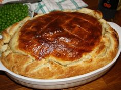 Placinta englezeasca cu vita si Guinness, poza 1 Guinness, Cheddar, Pie, Desserts, Recipes, Food, Red Peppers, Pie And Tart, Pastel