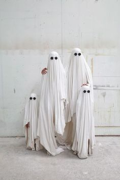 Ghost family-great idea for halloween family pic:)