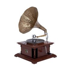 A beautiful blend of wood and metal, the Glamor Gramophone is a sophisticated nod to the past, with a modern-day revival thanks to its fresh materials