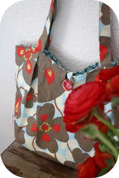 Pleated Tote Bag Tutorial from Happy in Red