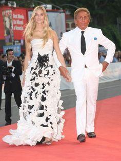 Ein Designer und seine Muse: 2006 lief Modelegende Valentino Garavani mit der schönen Adligen über den roten Teppich.