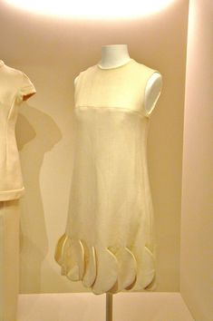 Minidress with sculptural hemline, Pierre Cardin, Paris, about 1970. Kunstgewerbemuseum, Berlin