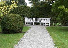, Gartenwege kies mit gartenbank weiß holz 6 sitzer für hausgestaltung ideen außendekoration garten bauen tipps: