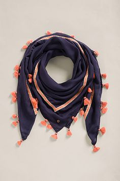 Feminine accessories turn every outfit into something special: everything from comfy woollen wear to sophisticated silk at the Esprit online shop. Blouse Designs, Kurta Designs, Glamour, Stylish Dresses For Girls, Scarf Dress, Designer Scarves, Scarf Design, Summer Scarves, How To Wear Scarves