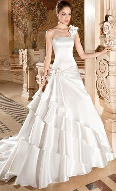 3227, Demetrios Bride