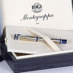 Fountain Pen Montegrappa Gea in finely chiseled sterling silver describing the map of the world. Limited Edition. No 413/2001. 18 Kts gold nib. M. #Montegrappa #Gea #FountainPen #Sterling #Silver #MapOfTheWorld #LimitedEdition #Gold #writing #desk #collectible #art #Design #BellamysWorld
