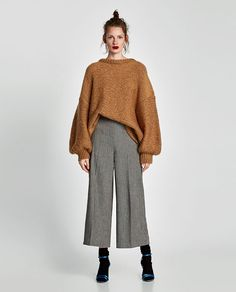 Women's Pants, You can collect images you discovered organize them, add your own ideas to your collections and share with other people. Culotte Style, Culotte Pants, Women's Pants, Cute Comfy Outfits, Casual Outfits, Fashion Outfits, Fashion Tips, Love Fashion, Winter Fashion