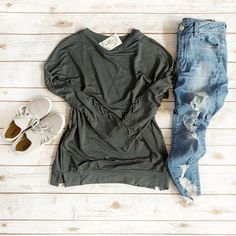 Stay comfy, friends . Ocean Tie Up Sleeve Top runs big, perfect for ultimate comfort. . #springoutfit #wiwt #outfitidea #outfitinsirpation #whatiwore #saturdaystyle #styleideas #styleinspo #shopboutique #boutiquefashion #styledbyme #outfitgo