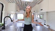 Diy Camper, Camper Ideas, Mobile House, Living On The Road, Van Living, Travel Photographer, Campervan, Tiny Houses, Van Life