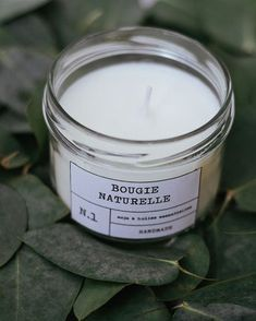 Dıy (do it yourself) - DIY : une bougie naturelle - Pin İdeas Candle Labels, Candle Jars, Etsy Business, Diy Candles, Diy Beauty, Diy Gifts, Dyi, Diy And Crafts, Homemade