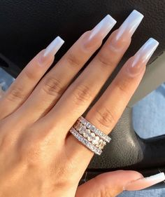 On average, the finger nails grow from 3 to millimeters per month. If it is difficult to change their growth rate, however, it is possible to cheat on their appearance and length through false nails. Classy Acrylic Nails, Best Acrylic Nails, Classy Nails, Fancy Nails, Cute Nails, Pretty Nails, Square Acrylic Nails, Work Nails, Aycrlic Nails
