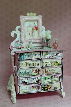 Paper tales class - Marie Antoinette Mini Vintage Dresser