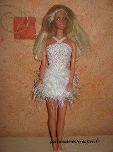 Hier, je vous présentais ma dernière création pour Barbie : Barbie Swan Pour obtenir les explications de ce modèle, un simple clic sur la photo et vous obtiendrez les explications de la robe. N'oubliez pas de me laisser un petit commentaire. N'hésitez...