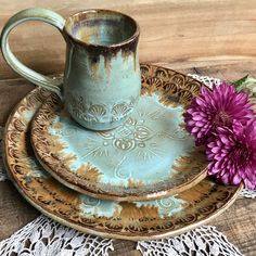 Etsy Custom made Native Mandala dinnerware sets available in just the amount you need. Stop by and check out our handmade dinnerware selection today. Pottery Plates, Ceramic Pottery, Ceramic Art, Handmade Home Decor, Handmade Pottery, Teller Set, Artisanal, Plate Sets, Vermont