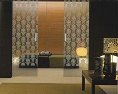 Image from http://cdn.decordsng.com/2015/06/26/modern-glass-door-designs-l-e2cb1f46b8b226a1.jpg.